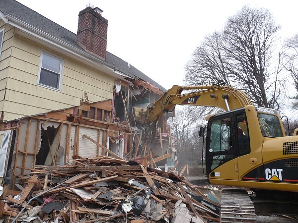 http://rcdemolitionservices.com/wp-content/uploads/2020/10/demolition-contractor-1.jpg